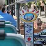 zdjęcia autobusu dla turystów w Barcelonie